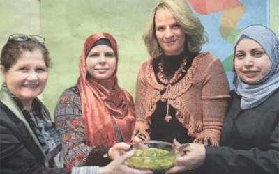 Les femmes syriennes de Québec épanouies autour de la table!